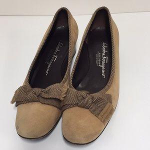 Salvatore Ferragamo low heels size 6